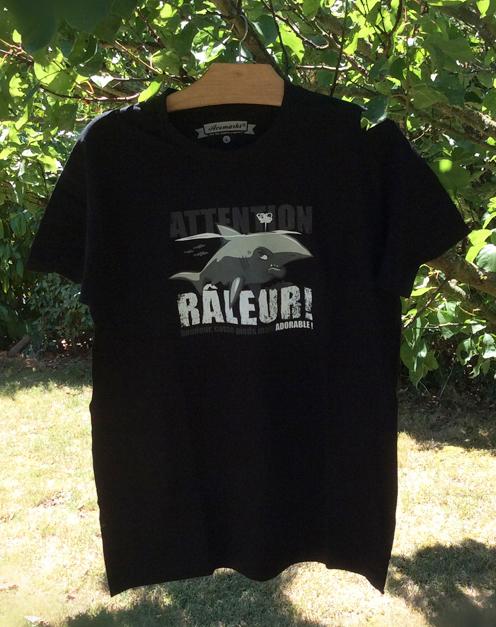t-shirt requin râleur